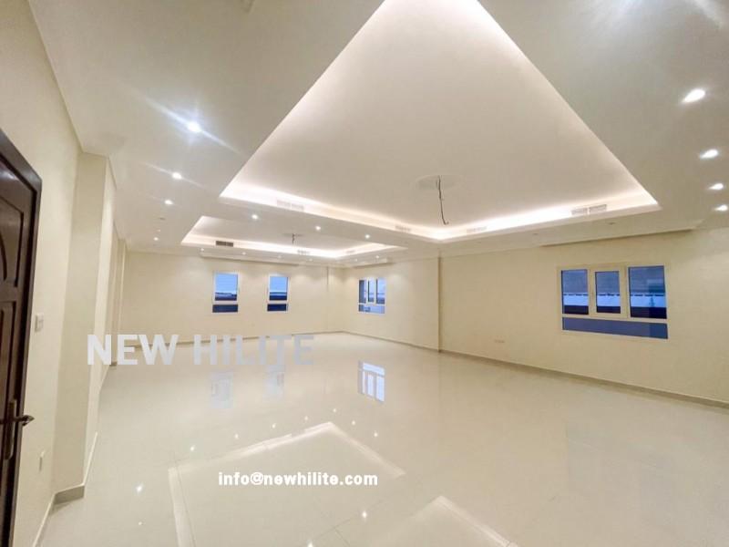 Three bedroom villa floor for rent in Jabriya